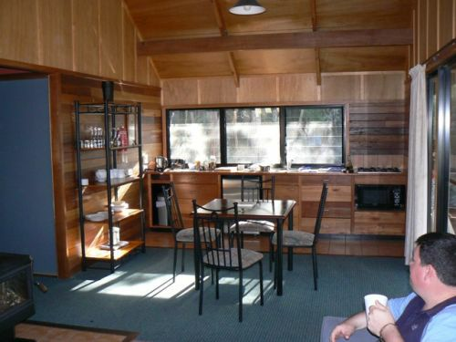 Girraween Lodge kitchen