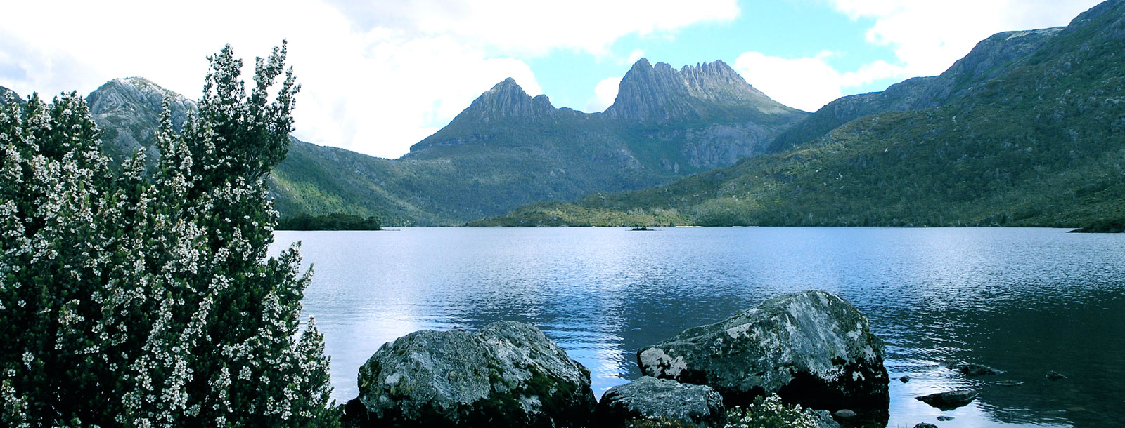 Cradle Mountain from Lake Dove lookout on Tasmania National Parks Tour