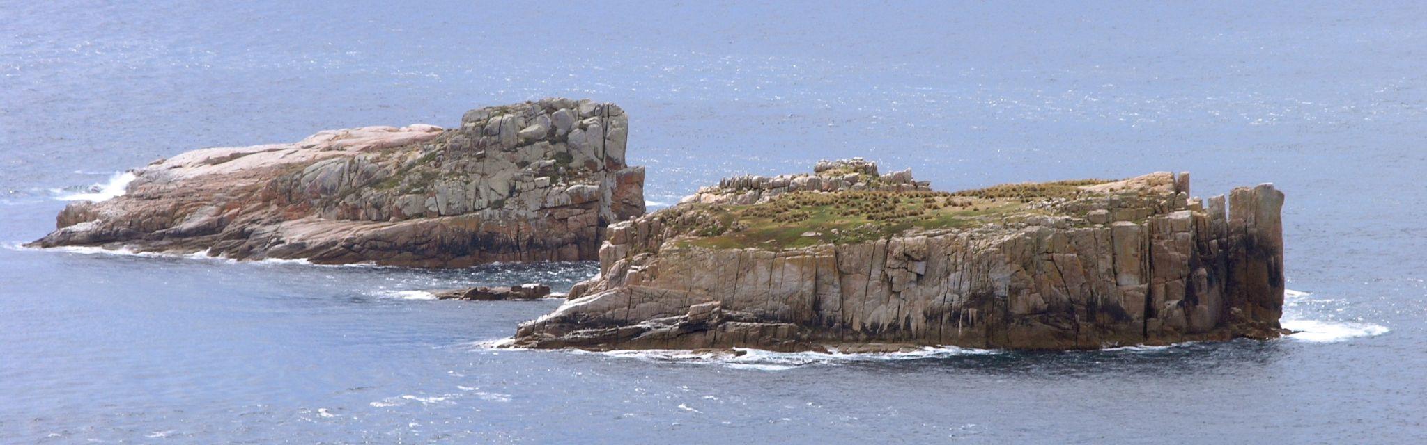 Granite islands off Freycinet Coast, image from a Nature Bound Australia Tasmania National Parks tour