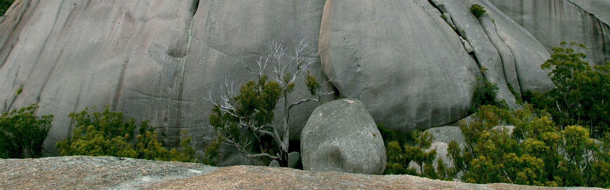 Crevis between the Girraween Pyramids, Australian world heritage Gondwana Tour